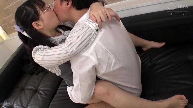 下品なキスで犯してあげるね!中年男を殺す唾液まみれのベロチューセックス 優木しの 6枚目