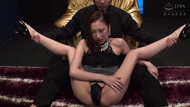 軟体ツルペタビッチ妻柔軟なカラダで男を喰いまくる超性欲人妻 鈴木みか キャプチャー画像 1枚目