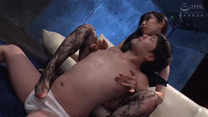 美尻ママvsデカマラ男 ママにオチ○ポ汁吸引させなさい! 黒川すみれ 5枚目