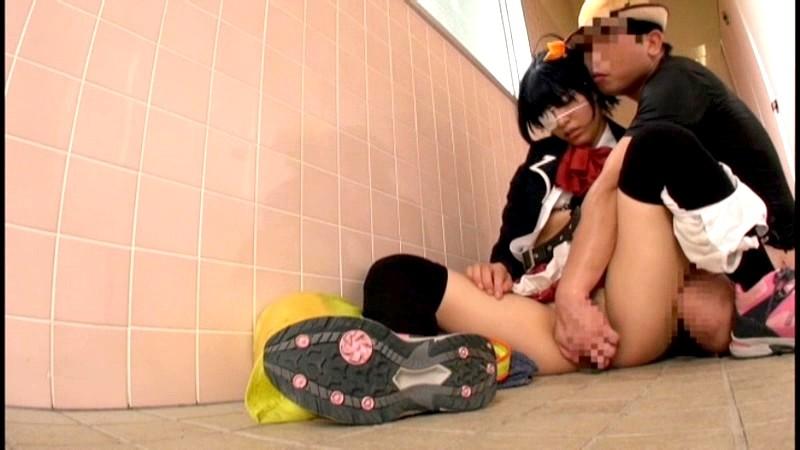 【美少女】激カワスレンダーでエロい制服姿の美少女アイドルの、痴漢中出し着エロエロ動画。可愛らしすぎる!【エロ動画】