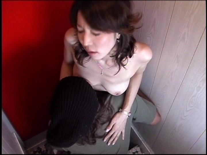脱糞美熟女のキ●ガイ性欲 画像5