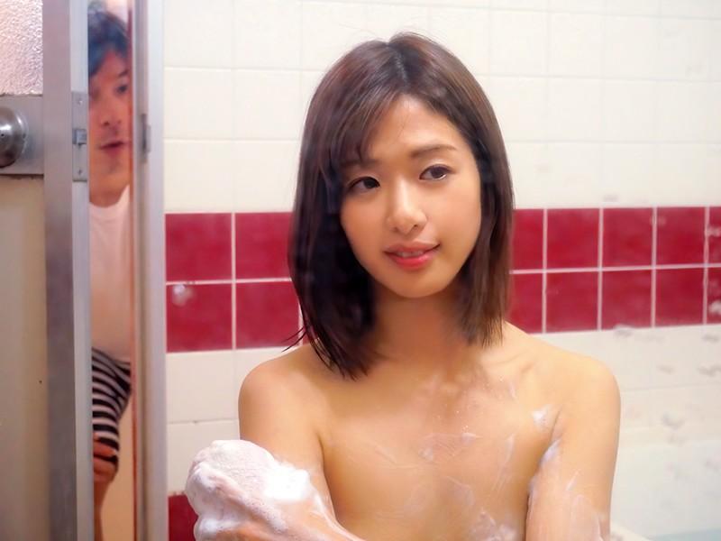 川上奈々美のお風呂を覗く
