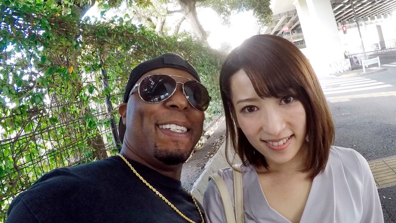 DVDMS-356 Studio Deep's - A Black Man Staying In Japan Picks Up An Amateur Married Woman And Takes Her Home For Monster Dick Fucking! This Hot MILF Gets Nailed Again And Again By A Massive Dong That's Bigger Than Her Head While Arching Her Back As The Gates To Her - big image 1