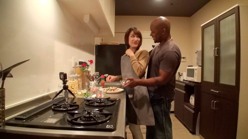 DVDMS-356 Studio Deep's - A Black Man Staying In Japan Picks Up An Amateur Married Woman And Takes Her Home For Monster Dick Fucking! This Hot MILF Gets Nailed Again And Again By A Massive Dong That's Bigger Than Her Head While Arching Her Back As The Gates To Her big image 2
