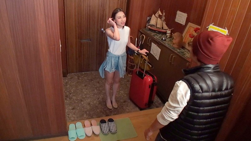 一般男女ドキュメントAV 観光で来た中国人のデカ尻美熟女に僕の部屋を民泊利用で貸し出したその日から帰国する直前まで生ハメで何度も精子を搾り取られた(多謝) 1枚目