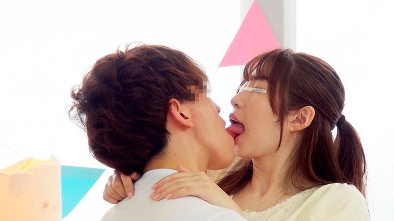 一般男女モニタリングAV 素人女子大生限定!恋人がいない大学生の男女はキスだけで恋に落ちて初対面の相手とSEXしてしまうのか?惹かれあった2人のキスまみれの完全プライベートSEXを大公開!! 8 初めての生中出しスペシャル!! 3枚目