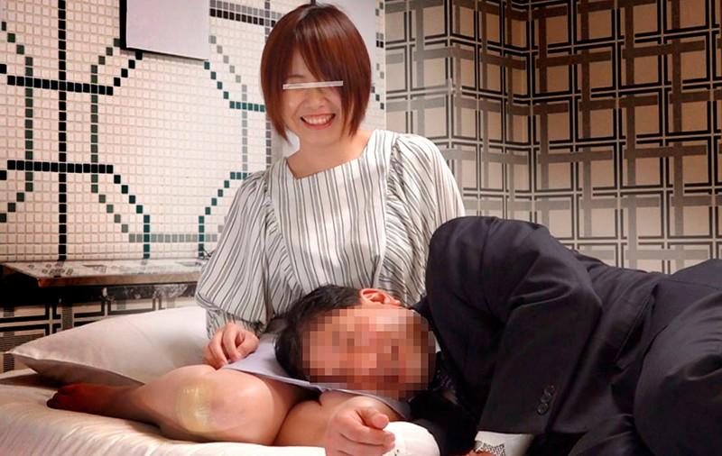 【エロ動画】人妻が10数年ぶりに再会した同窓会で秘密の中出しセックス