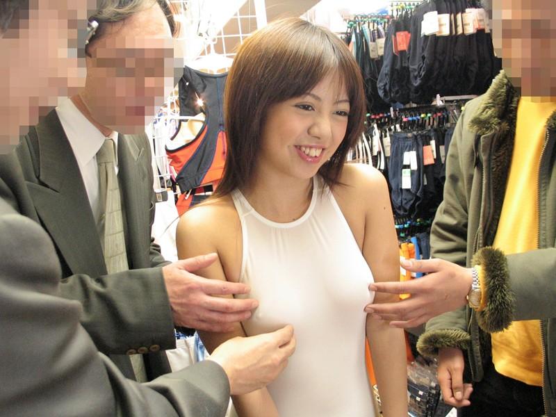 早希なつみのコスプレショップ1日痴女店長やっちゃいました☆ EMIRU(早希なつみ、水姫麗奈、松下美里)のサンプル画像