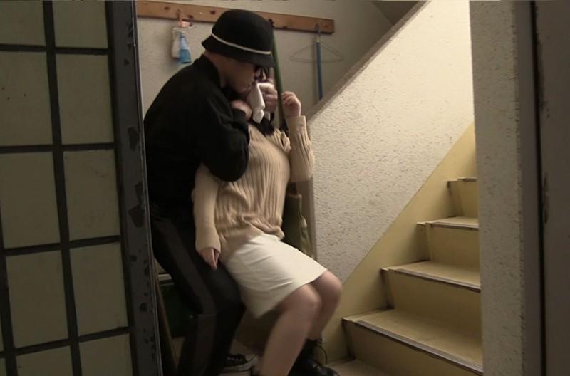 [閲覧注意]熟女輪●レ●プ映像 File#06 「被害者:幼妻(20代)~完熟妻(60代)・無差別!!」 画像3