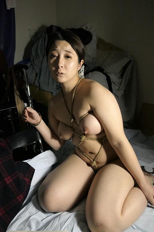 [閲覧注意]熟女輪●レ●プ映像 File#07 「被害者:年増の熟肉主婦」 画像5