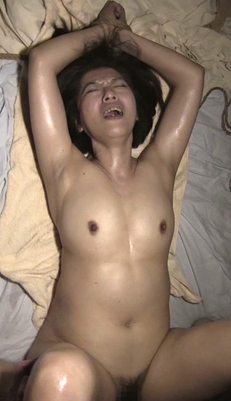 [閲覧注意]熟女輪●レ●プ映像 File#07 「被害者:年増の熟肉主婦」 画像8