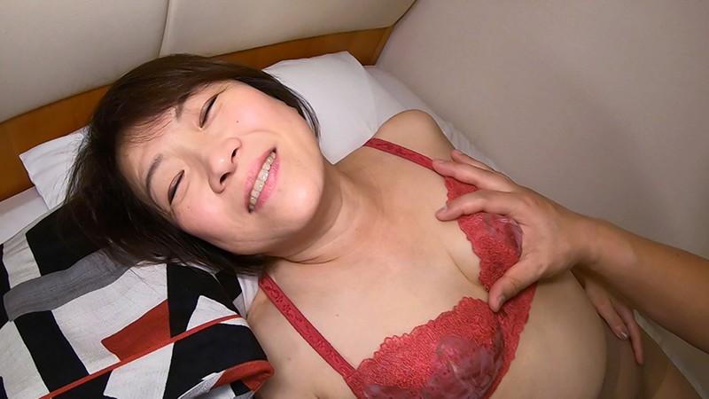 専業主婦の恵子です。セックスは全くしておりません。お恥ずかしい話、記憶にないくらいです。 画像7