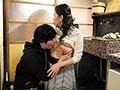 夫の寝ている横で息子の性技に溺れた四十路母2