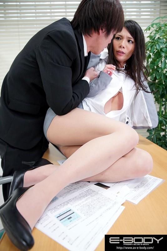 【巨乳】 声も出せず羞恥に濡れる寝取られ妻 ゆうき キャプチャー画像 1枚目