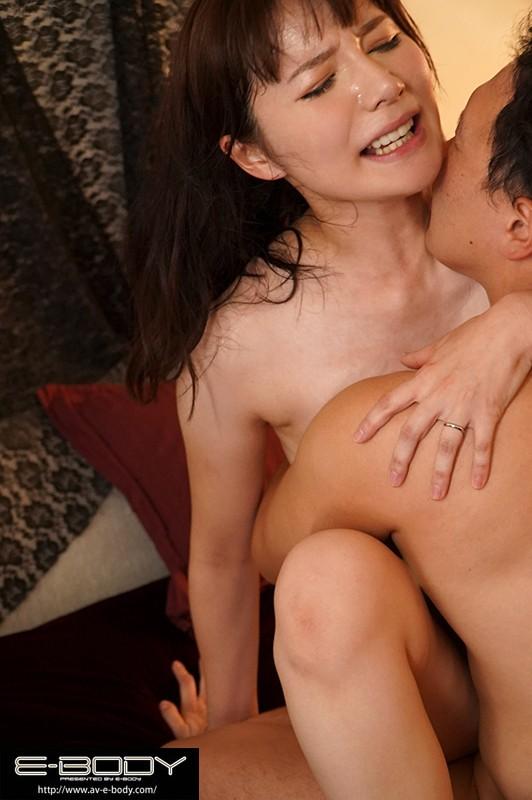 清楚に見えて日本一エロい人妻。長身172cmスーパープロポーションGカップけいさん34歳E-BODYデビュー 画像4