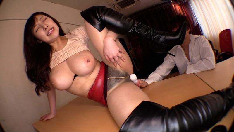 ぶっかけ爆乳デカ尻秘書は社員を誘惑する変態ドスケベ痴女 若月みいな