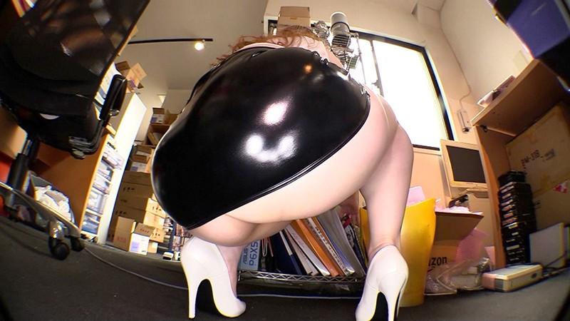 ぶっかけ爆乳ドスケベ乳輪秘書は社員を誘惑する淫乱痴女