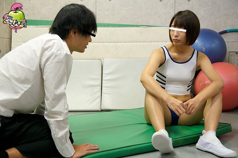 陸上部漬けの体育会系女子先輩。クールに年下男子をあしらっていたが、素股から生挿入される。怒りながらも顔騎ロデオで自ら腰を振り痴女る 画像3