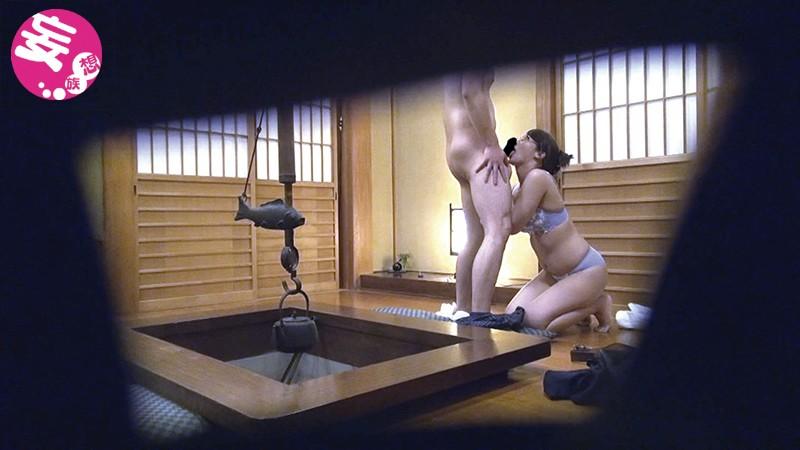 【人妻隠し撮り】スレンダー欲求不満でエロい巨乳の人妻奥様の、覗き寝取られフェラプレイがエロい!実にセクシーです!【温泉旅行】
