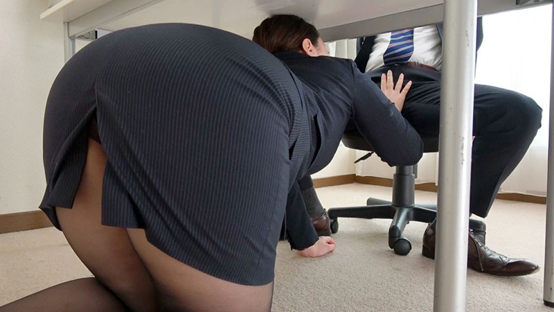 肉感ボディー丸わかりのパツパツスーツに濃厚精子ぶっかけ!男性社員のち○ぽをご奉仕ヌキして性玩具化しているデカ尻社長秘書 かんなさん(31歳) 篠崎かんな 3枚目