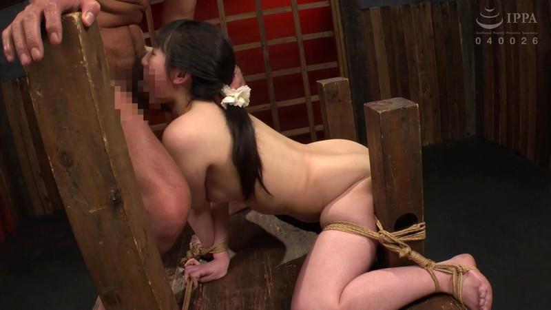 制服少女 串刺し拷問 河奈亜依 画像8