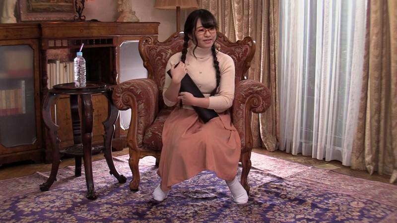 文系美少女 飛びっ子パンツ履いて小説朗読できたら10万円! 思わず潮吹き!失禁!激発情!中出しSEX大満足でお帰り…