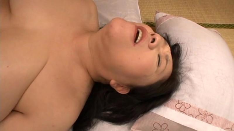 豊満爆乳妻中出し 愛田正子 53歳 画像16