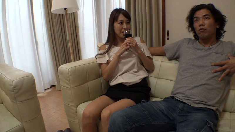 アナルに目覚めイキ狂う人妻 中出し肛門SEX 4時間SP! 画像15