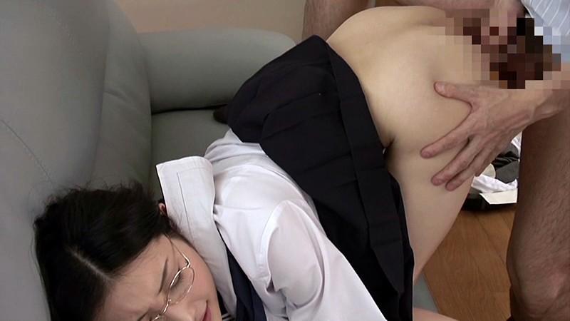 性愛【I】 色白美白の優等生がオヤジたちに求められるもの―。 水嶋あずみ 画像4