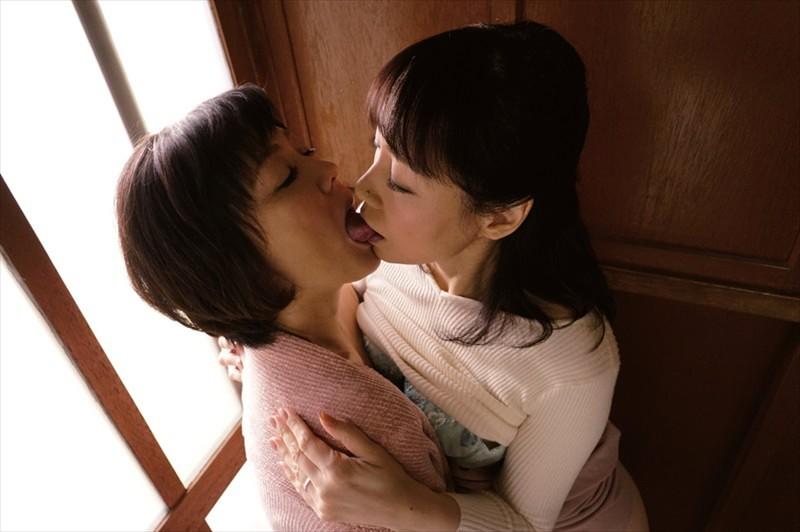 レズビアン美熟女 快楽を貪り合う淫汁まみれのヌルべちょ性交 同性に寝取られた妻たち 画像16
