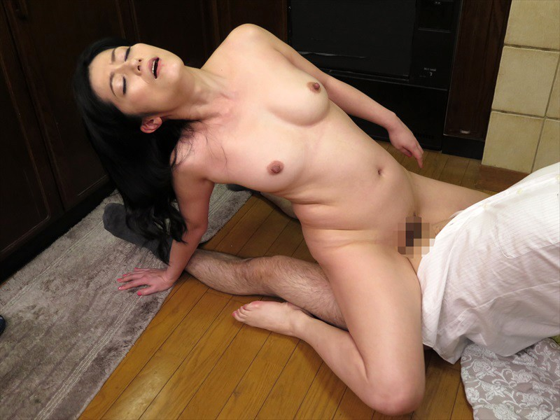 NASH-235 Studio Nadeshiko - I Can't Wait Until Tonight! - A 50-Something Stepmom Is Hounded By Her Stepson From Morning Until Night big image 4