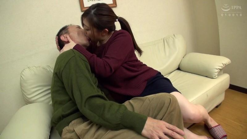 (痴女降臨)性欲強すぎて若い男をみると興奮が抑えられず顔面騎乗で支配する責め好きおばさんの誘惑セックス 2