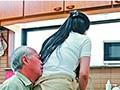 家事代行で呼ばれた美しすぎる五十路ヘルパーが性欲旺盛な中高年にむしろ発情しちゃってガチ生中出し!!