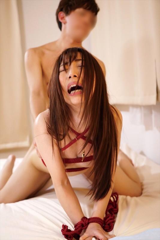 兄の嫁を躾けた僕 宇野栞菜 16枚目