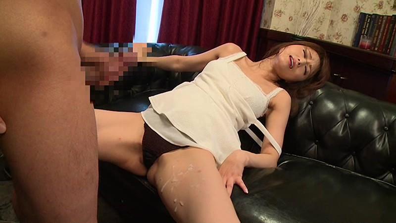 泥酔な巨乳で美乳の、吉沢明歩の催眠媚薬無料H動画。【吉沢明歩動画】