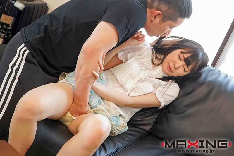 彼氏の先輩にドM性覚醒された清純女子大生 加賀美さら