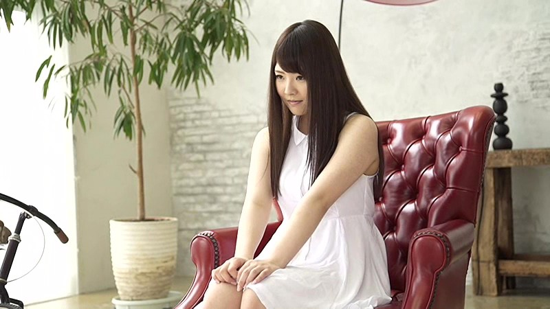 今すぐヤリたい!同級生は現役女子校生18歳巨乳美少女 香純ゆい