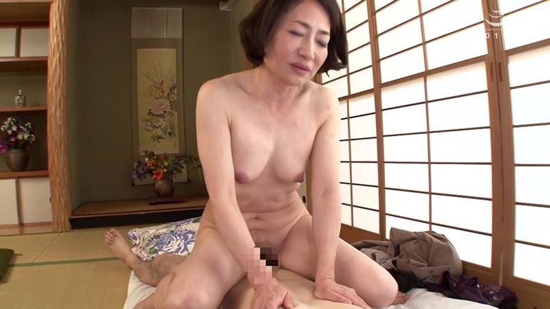 五十路六十路 日本家屋で忍び逢う肉地蔵と昭和母のねっとり激情中出し姦通 30人8時間2枚組