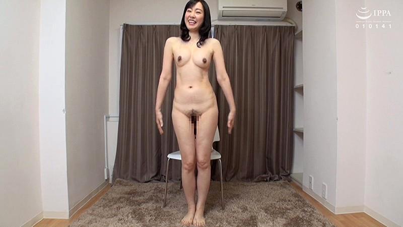 素人!!初めての美熟母ヌードアルバム 15人4時間 キャプチャー画像 17枚目