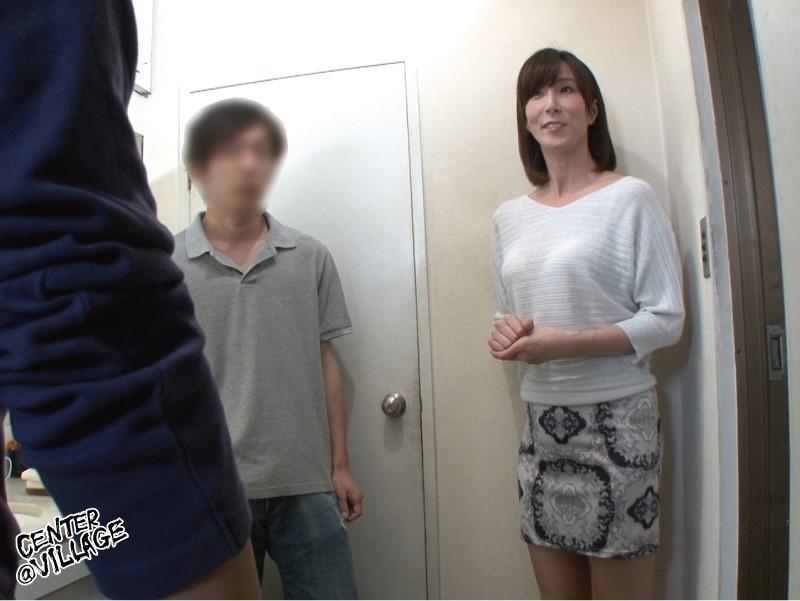 「あなた…許して」私、夫がお風呂に入っている15分の間、いつも息子に抱かれています 澤村レイコ の画像9