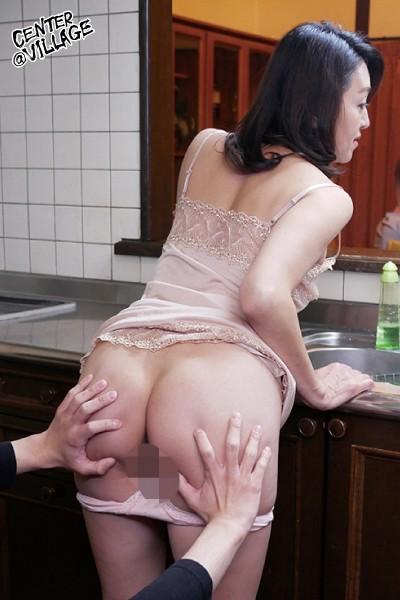 「あなた…許して」私、夫がお風呂に入っている15分の間、いつも息子に抱かれています 松尾江里子