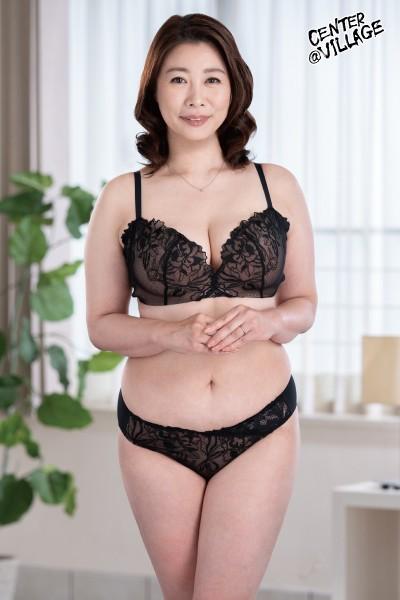 先っぽまでは挿入させてくれる母とのギリギリ相姦 佐倉由美子 画像1