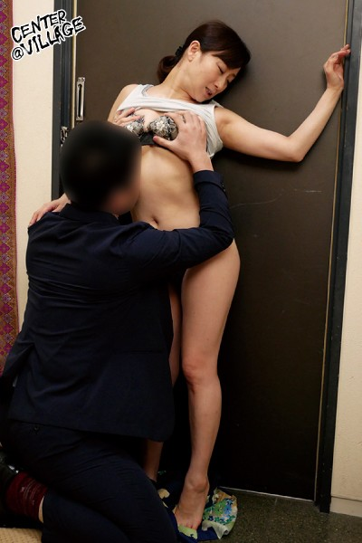 FUGA-042 I Met Up With My Ex-Boyfriend For The First Time In Years At Our Class Reunion, And While My Husband Was Away On Business For 3 Days... He Creampie Fucked Me And Made Me Cum Over And Over Again. Yu Kawakami big image 3