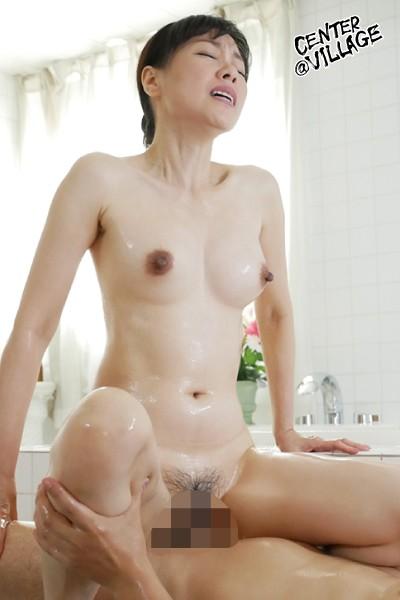 離婚(わか)れた夫とソープで再会 絶対に抱かれたくない男との生挿入中出しセックスで感じてしまった私 福田由貴9