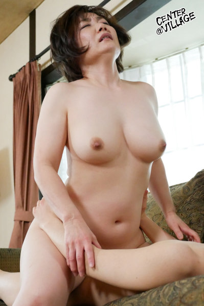 濡れそぼる、母の乳房を、見ていたら。 高松かおり