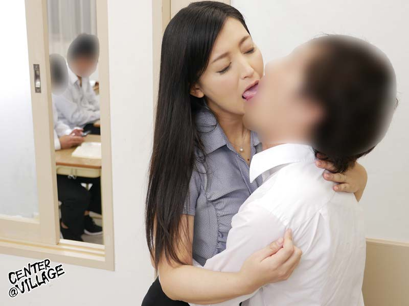 IQQQ-010 Studio Center Village - This Married Woman Teacher Is Unable To Make A Sound While Orgasming In Class And That Gets Her 10 Times Wetter Than Usual Toko Namiki big image 7