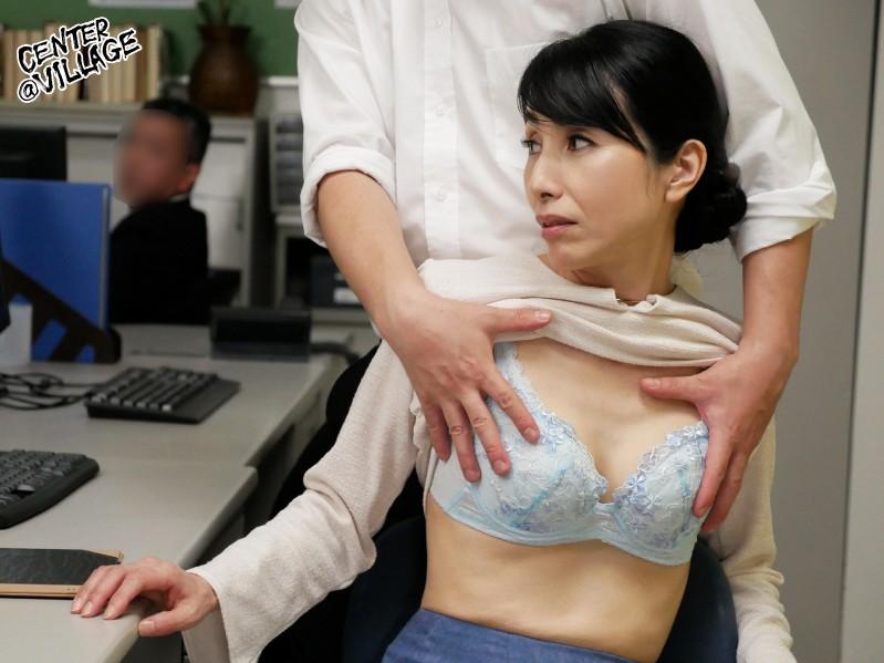 声が出せない絶頂授業で10倍濡れる人妻教師 鶴川牧子7