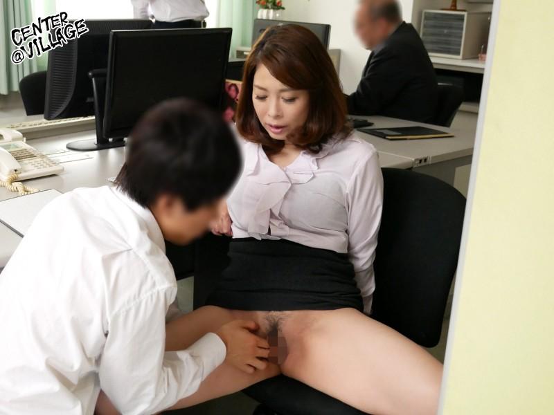 声が出せない絶頂授業で10倍濡れる人妻教師 佐倉由美子 画像6