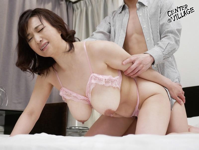 官能的な下着姿で男たちを惑わせる淫乱ミセスの妖艶ランジェリー性交 時田こずえ の画像6