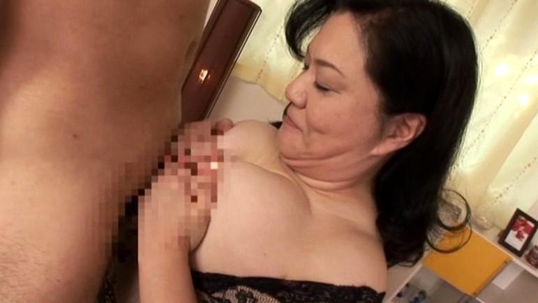 初撮り五十路妻ドキュメント 愛田正子